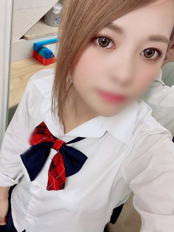 あやな(20)